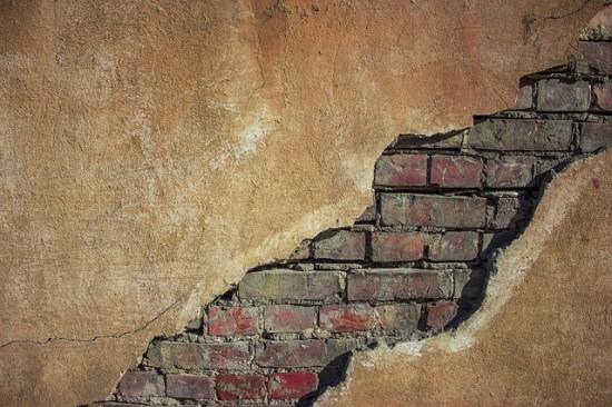 Gyvenamieji ir darbiniai pastatai gali būti saugesni taikant struktūrų stebėsenos technologiją