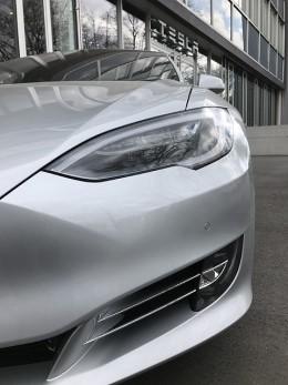 """""""Tesla"""" autopilotas lidarų nenaudos – patentuojama nauja radaro sistema"""