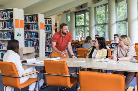 Pandemija koreguoja studentų planus: keičiančių kryptį – perpus daugiau