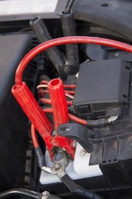Kaip užvesti automobilį su laidais: yra kelios taisyklės, kurių privalote laikytis