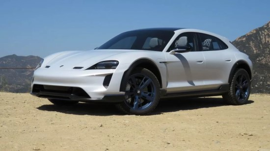 """""""Porsche Taycan Cross Turismo"""" (laukiama: 2021 metais)"""