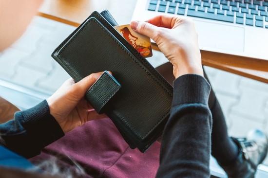 Asmens duomenų saugumas: taikėsi ir į prekybos tinklų pirkėjų lojalumo pinigus