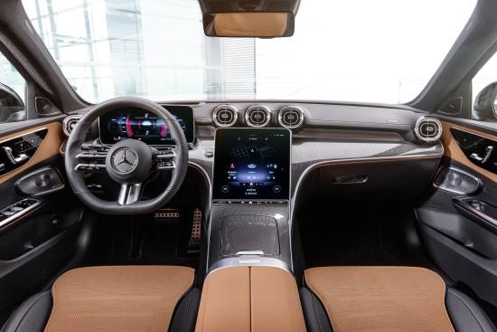 """""""Mercedes-Benz"""" pristatė į skaitmeninių technologijų amžių perėjusią naująją C klasę"""