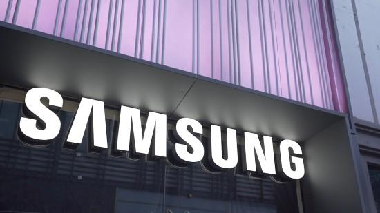 """""""Samsung"""" prekės ženklui –  83-eji: ką šis technikos gigantas turi bendro su džiovinta žuvimi?"""