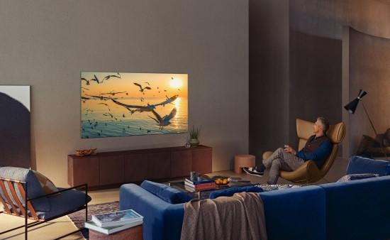 """""""Samsung"""" pristatė televizorių naujienas"""
