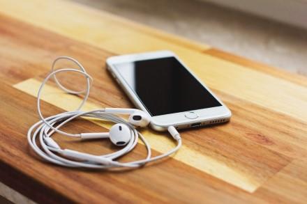 Kaip teisingai prižiūrėti telefono jungtis: 5 naudingi patarimai
