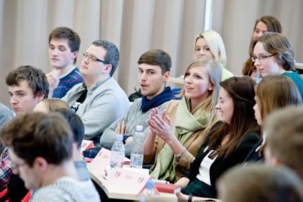 Gabiausiems studentams atiteks vardinės Prezidentų stipendijos