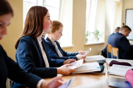 Mokyklos teikia prioritetą kontaktiniam ugdymui, bet vis tvirčiau jaučiasi ir dirbdamos virtualiai