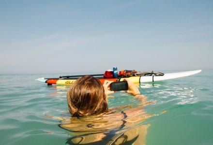 Kaip vasarą apsaugoti telefoną nuo vandens?