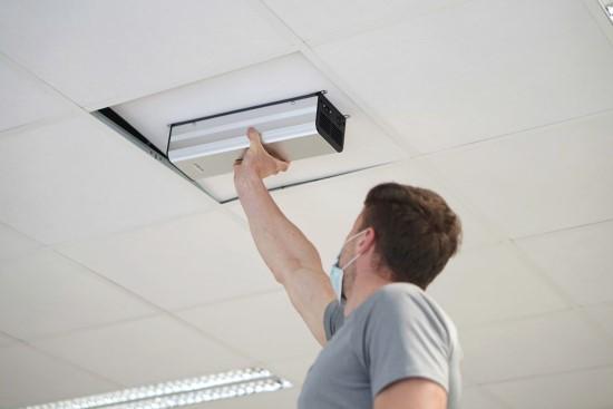 Sstartuolis siūlo ultravioletine spinduliuote paremtas oro ir paviršių dezinfekcijos sistemas