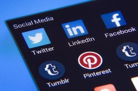"""Erzina žmogus socialiniuose tinkluose? """"Nutildykite"""" įkyruolius jų neužblokuodami"""
