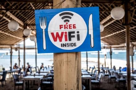 """Ekspertu teigimu atviri """"Wi-Fi"""" tinklai kelia grėsmę vartotojų duomenų saugumui"""
