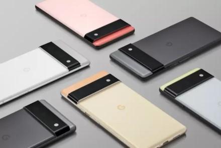 """""""Apple"""" ir """"Samsung"""" įtaka: dar vienas gamintojas pašalins įkroviklius iš naujausių flagmanų dėžučių"""