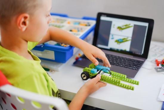 Mokymasis gali būti panašus į žaidimą: lietuviai vaikams kuria tai užtikrinančią sistemą