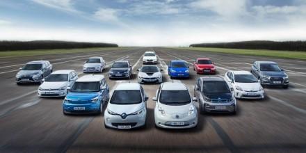 Krizė daužo automobilių rinką į šipulius: šimtai tūkstančių naujų ratuočių nebepasieks savininkų