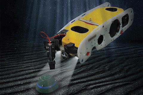 """""""Ocean 2020"""" nuotr. / Demonstracijoje dalyvavusi SAAB koncerno (Švedija) sukurta po vandeniu veikianti nuotoliniu būdu pilotuojama sistema """"Sea Wasp"""", aptinkanti, atpažįstanti ir neutralizuojanti improvizuotus sprogstamuosius užtaisus"""