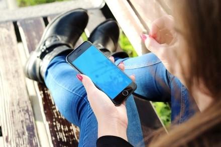 Pirkti telefoną iš antrų rankų – ne visada gera mintis: galima likti ir be pinigų, ir su beverčiu išmaniuoju