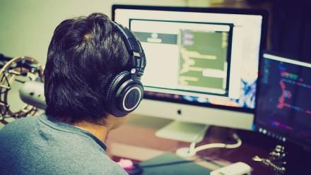 Pažinkite kodo paslaptis: kaip lengvai išmokti programuoti?