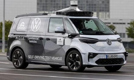 """""""Volkswagen"""" netiki elektromobilių ateitimi: ja taps kitokio tipo transporto priemonės"""