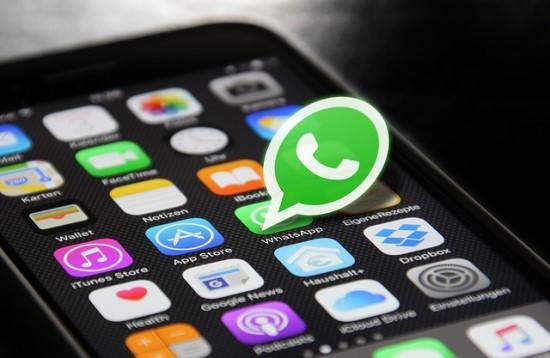 """""""WhatsApp"""" yra ne toks privatus, kaip sako vartotojams"""