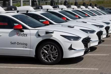 """""""Yandex"""" žengia inovacijų keliu: jau netrukus į Maskvos kelius išriedės išskirtiniai taksi"""