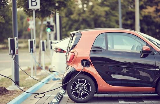 ESO ruošiasi sparčiai elektromobilumo plėtrai Lietuvoje