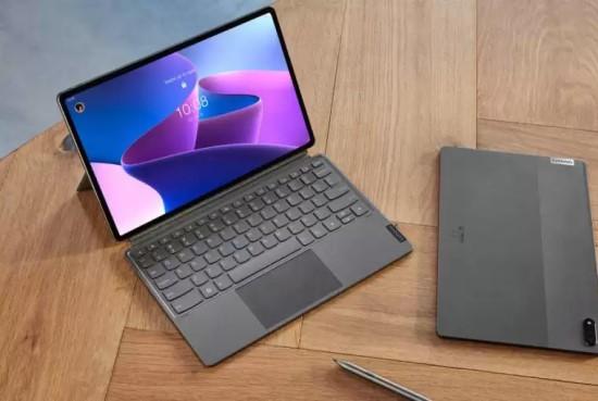 """""""Lenovo"""" pristatė dvi naujas planšetes"""