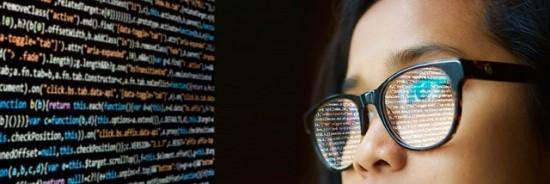 """Merginos IT srityje: """"pasimatuoti"""" kompiuterininkės karjerą galima dar mokyklos suole"""