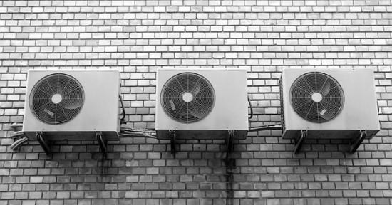 Atvėsus orams prisiminė kondicionierius: vieni džiaugiasi, kiti įspėja apie didesnes išlaidas